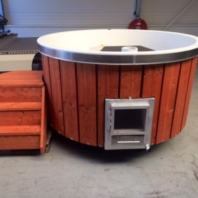 hottub red ceder gebeitst